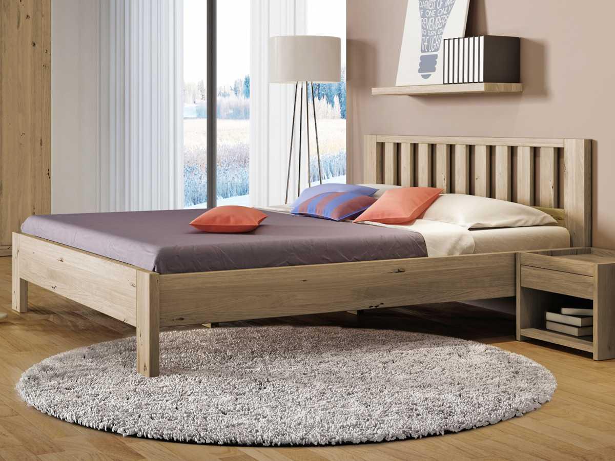 """Schlafzimmer mit Wildeichenbett """"Bernhard"""""""