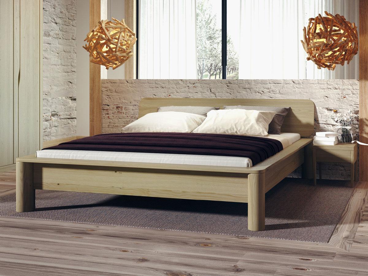 """Schlafzimmer mit Bett aus Kastanie """"Gerda"""""""