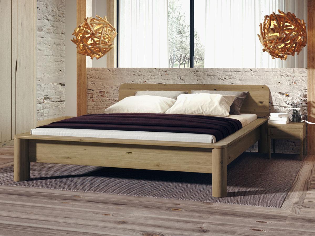 """Schlafzimmer mit Bett aus Wildeiche """"Gerda"""""""
