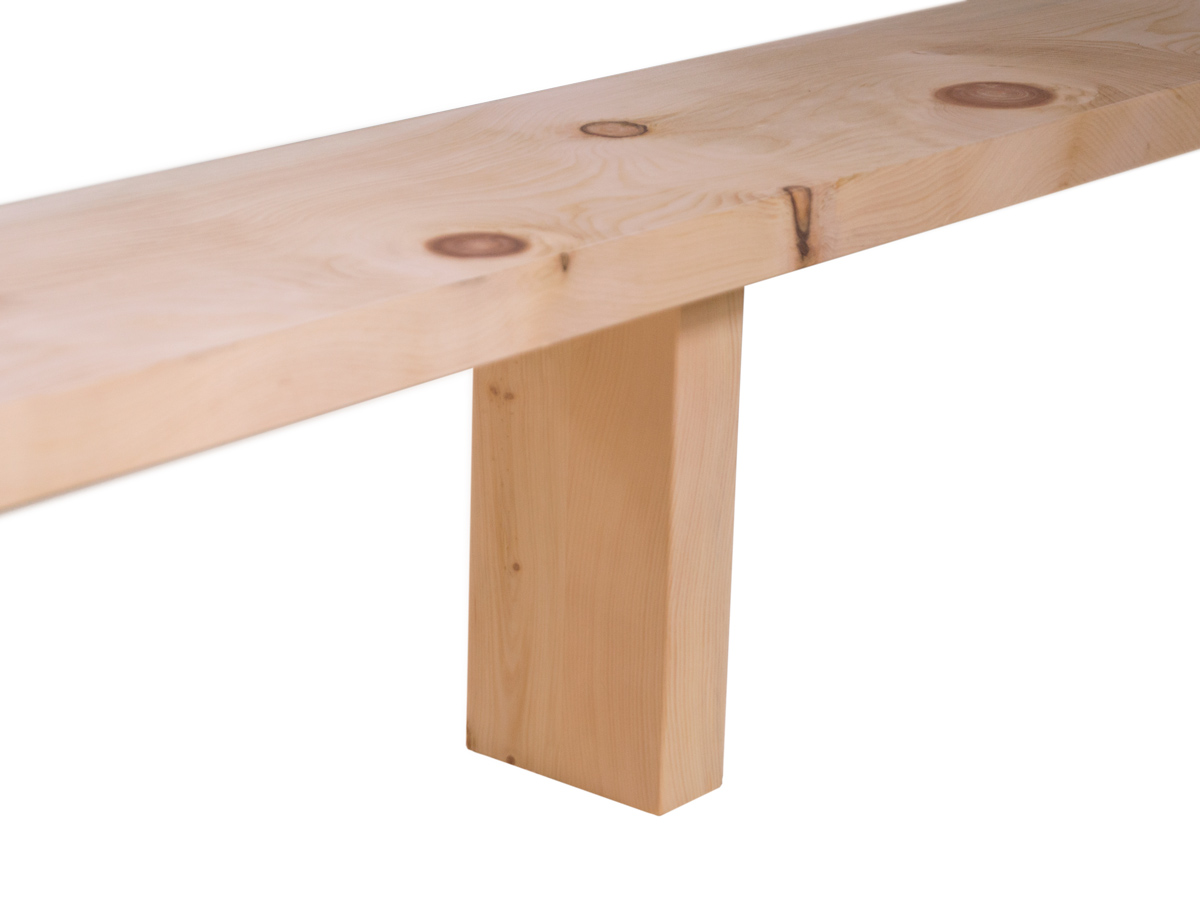 Eine der beiden Mittelstützen - für mehr Stabilität (ab einer Bettbreite von 140 cm)