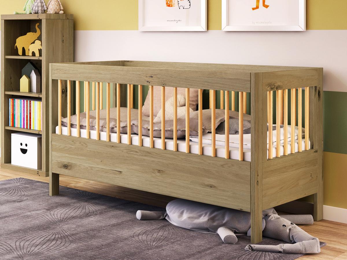 """Kinderzimmer mit Babybett """"Paula"""" 70 x 140 cm in Wildeiche massiv"""