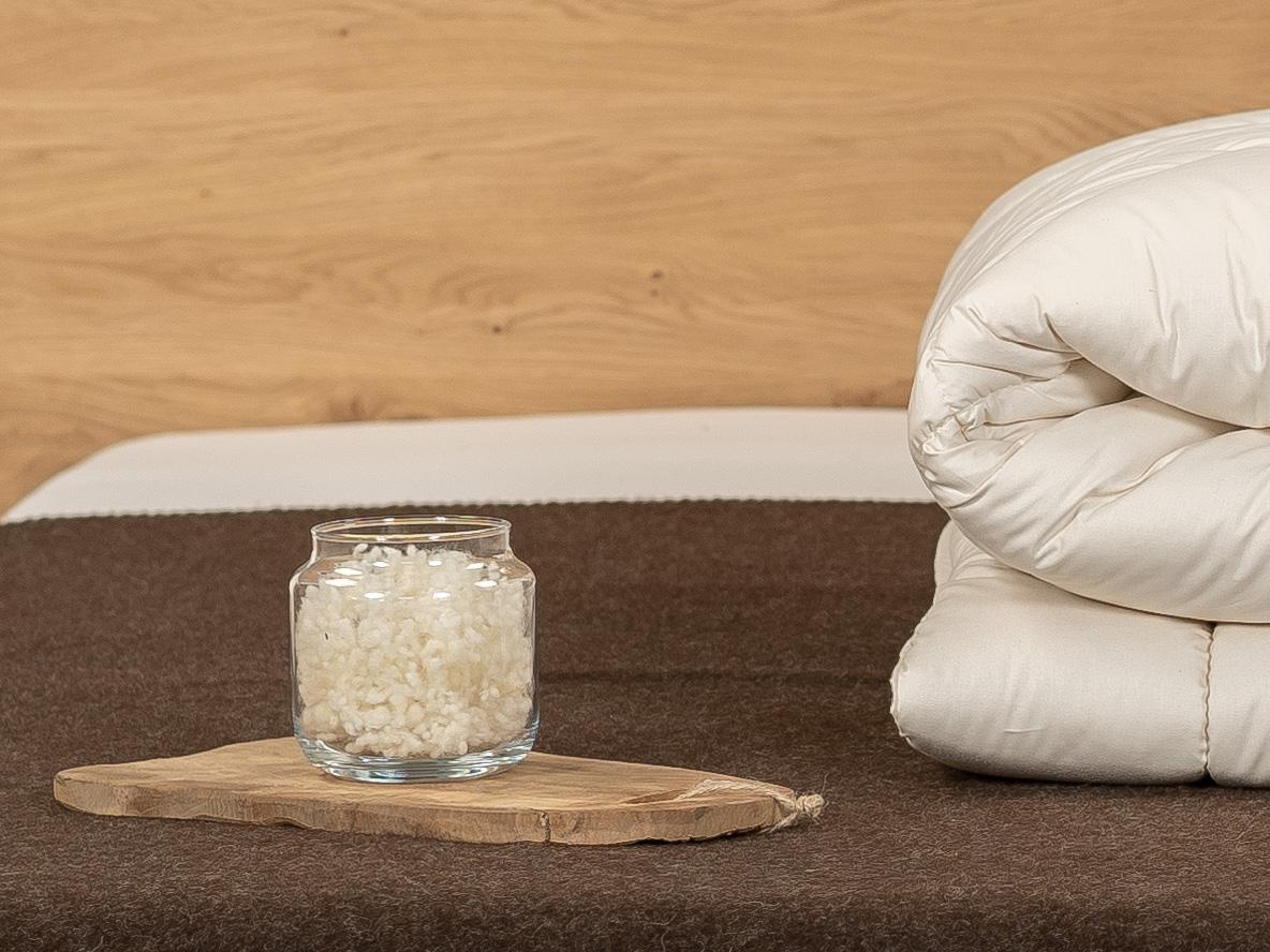 Schafschurwolle: wärmend, weich und luftdurchlässig.