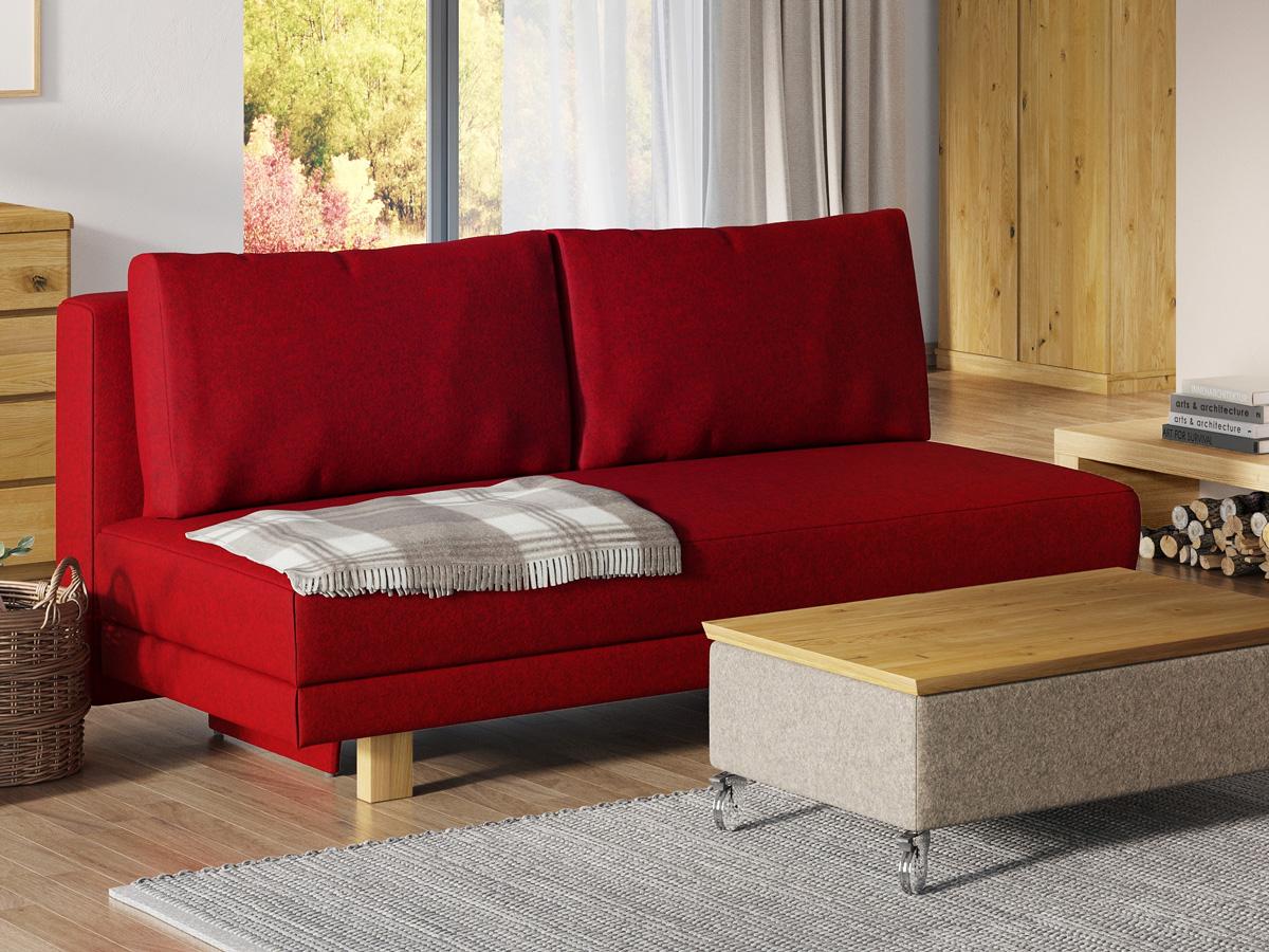 """Sofa """"Mara"""" mit Lodenstoff von """"Steiner 1888"""": Sofafarbe Rot, Kissenfarbe Rot, Holzfüße in Zirbe"""