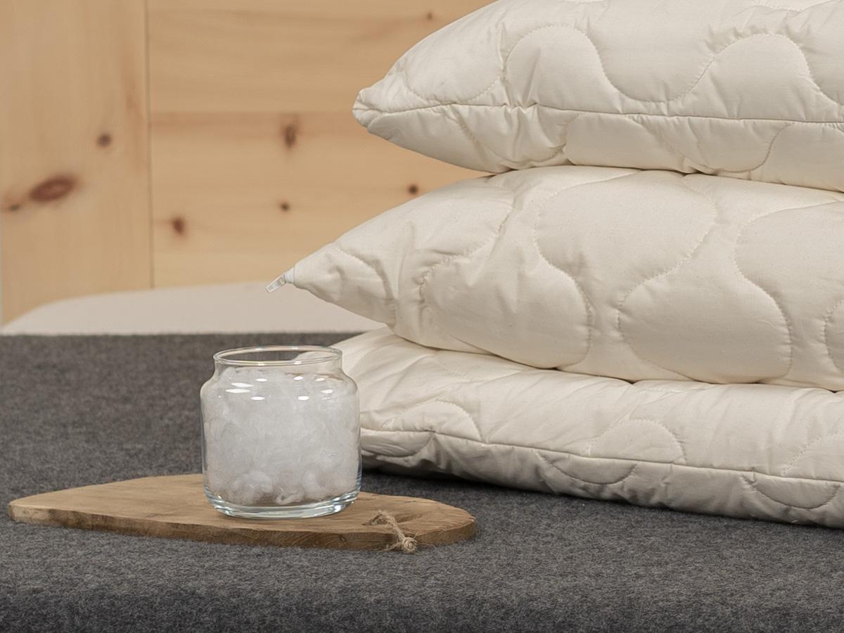 Gefüllt mit Maisfaser und TENCEL™ Faser im separaten Baumwoll-Innenkissen.