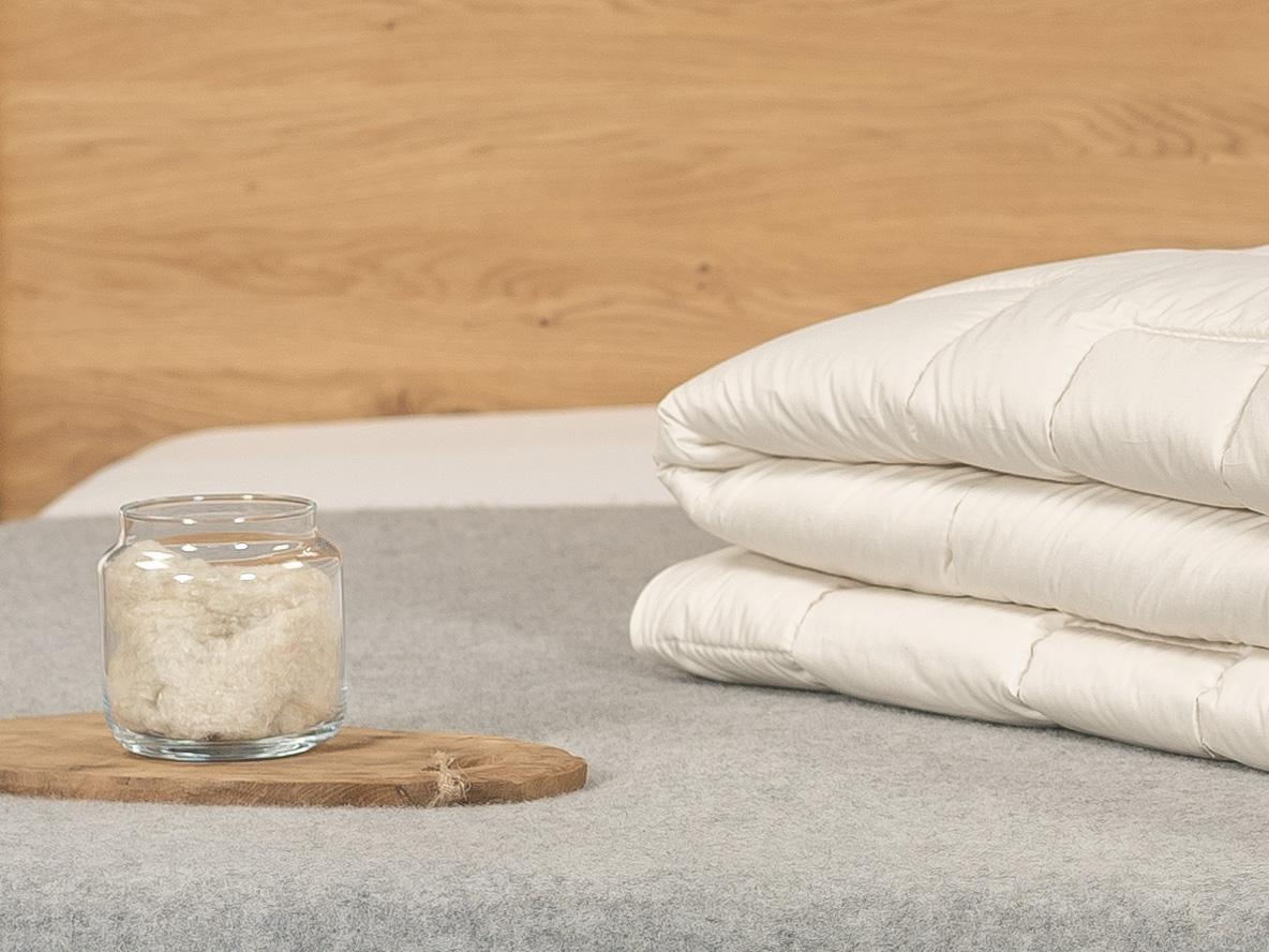 Mit der Vierjahreszeiten-Bettdecke schlafen Sie in einem kühlen und trockenen Bettklima.