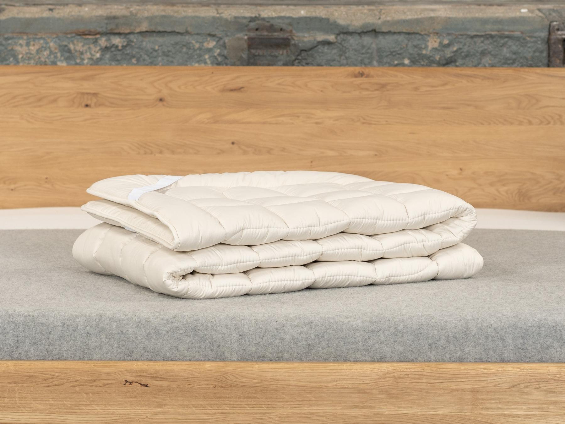 Unser Matratzenschoner Wildseide sorgt für angenehm kühle Nächte.