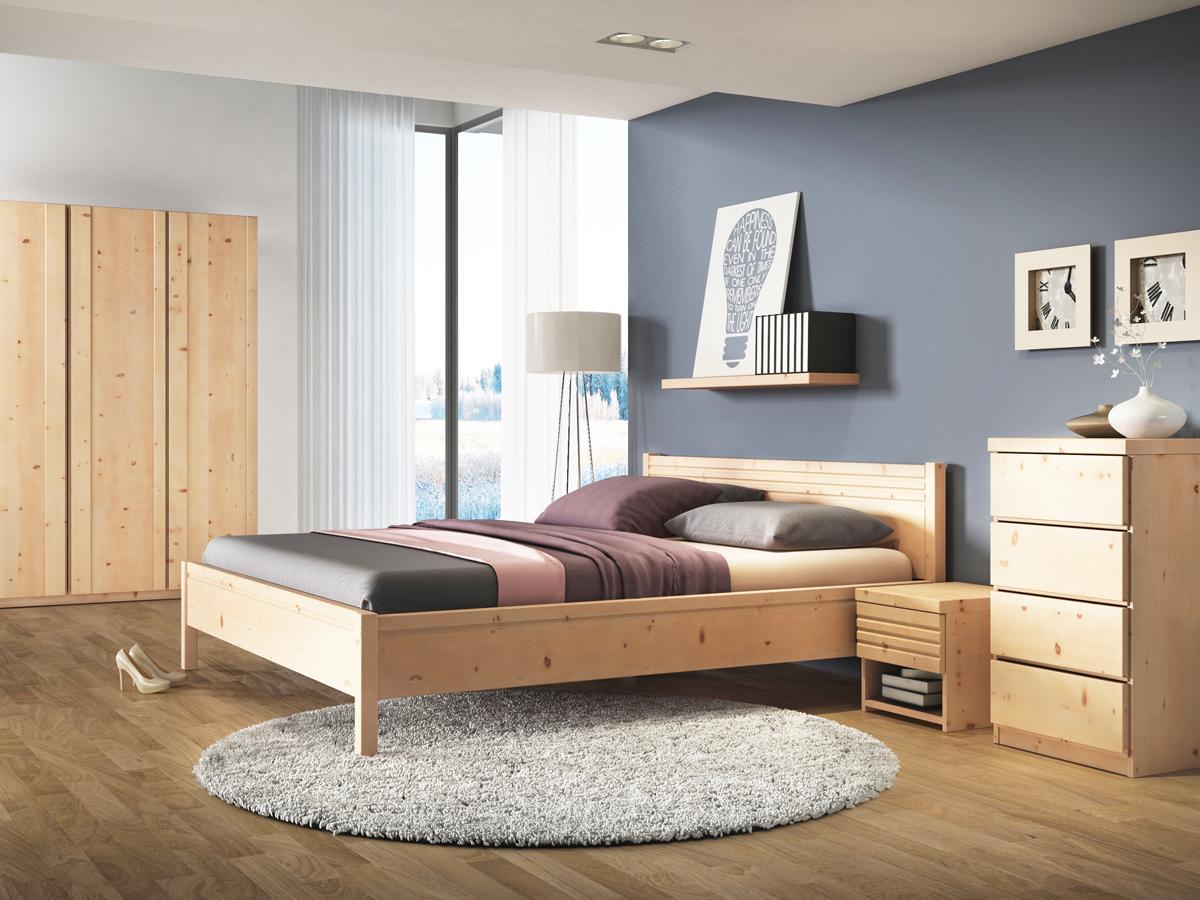 """Schlafzimmer mit Nachtkästchen aus Zirbe """"Hannes"""""""