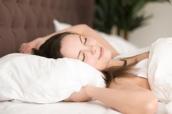 r ckenschl fer das richtige kissen matratze lattenrost. Black Bedroom Furniture Sets. Home Design Ideas
