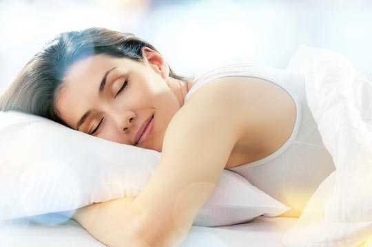 Bauchschläfer sollten zu einer flächenelastischen Matratze greifen