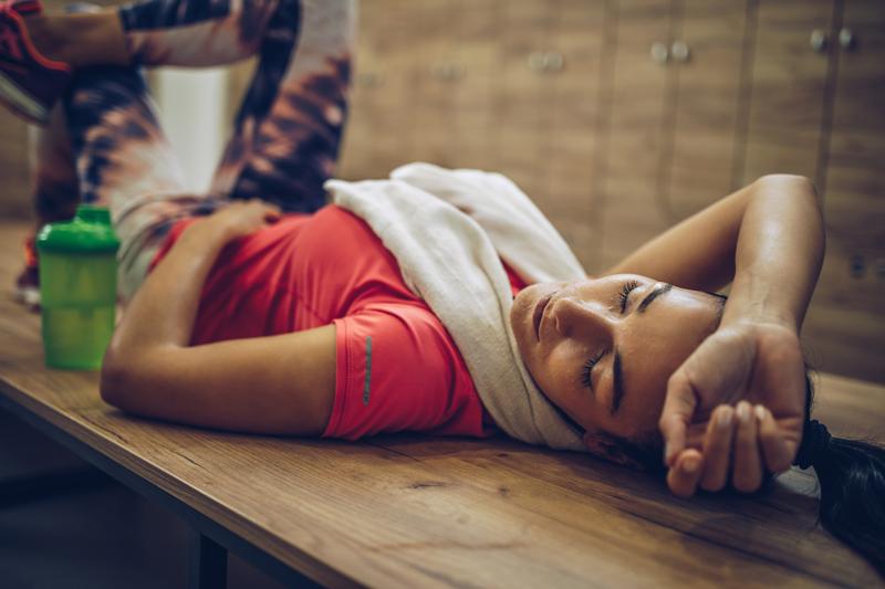 Wie lange schlafen für Muskelwachstum?