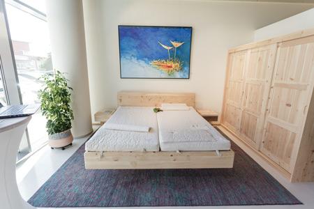 Schlafzimmer Zirbe in Graz-Seiersberg